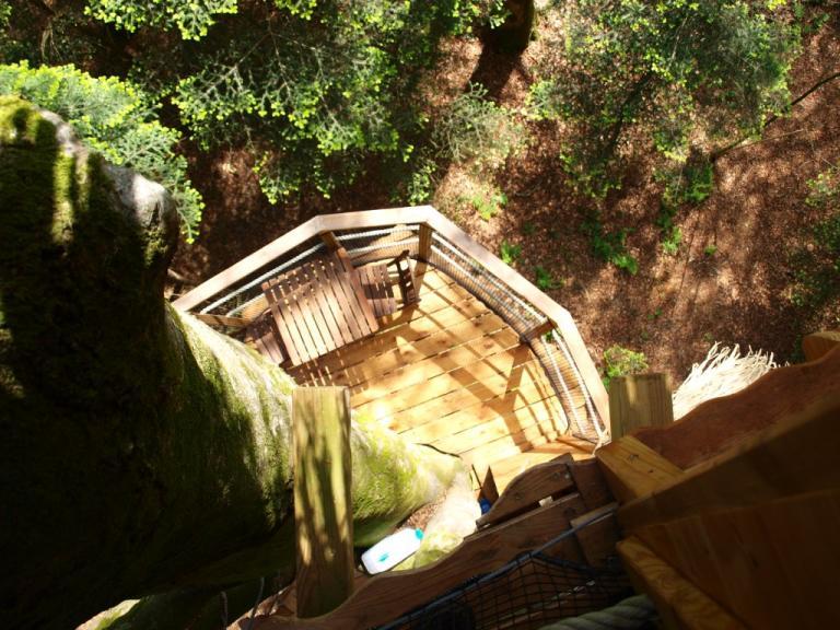 Cabane dans les arbres NID-CLOS